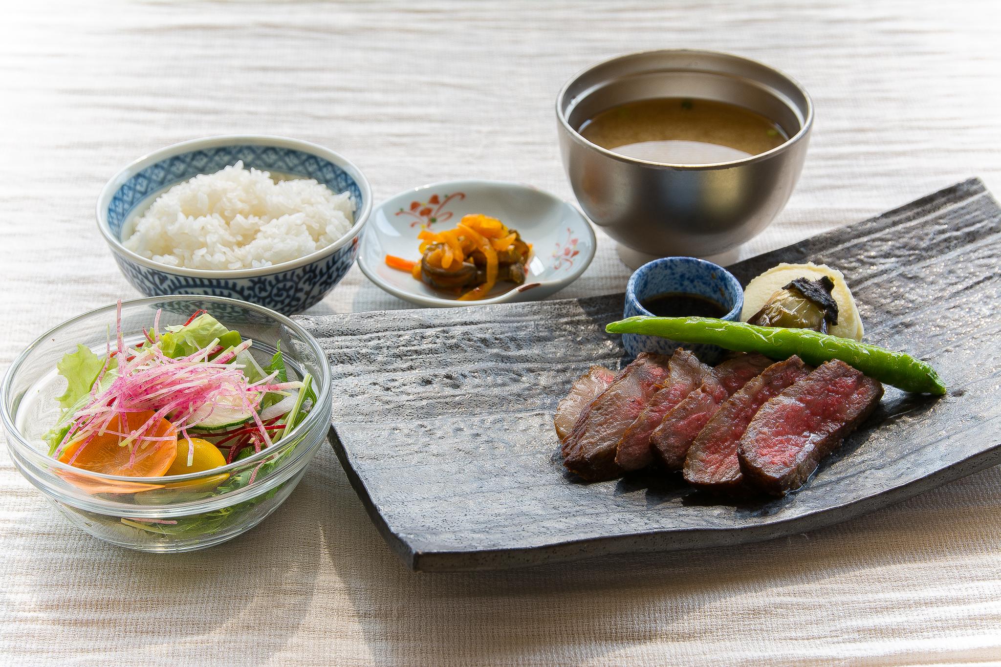 新潟県産銘柄牛ステーキご膳