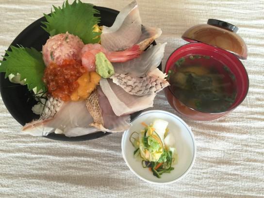 季節の地魚丼